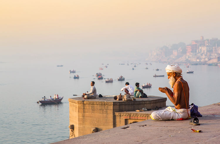 How our worldview impacts the language we speak? Some reflections on Hindi.